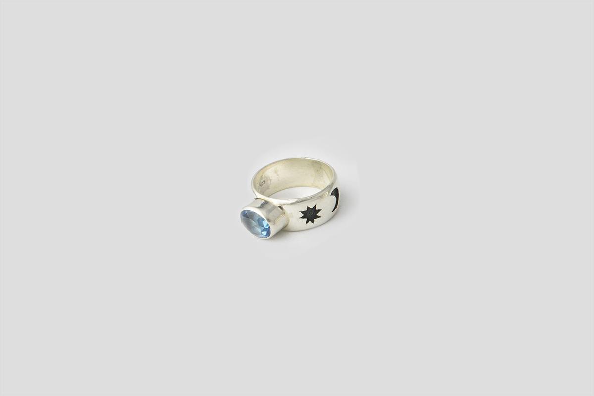 Blue Topaz Silver Ring (jali Design)