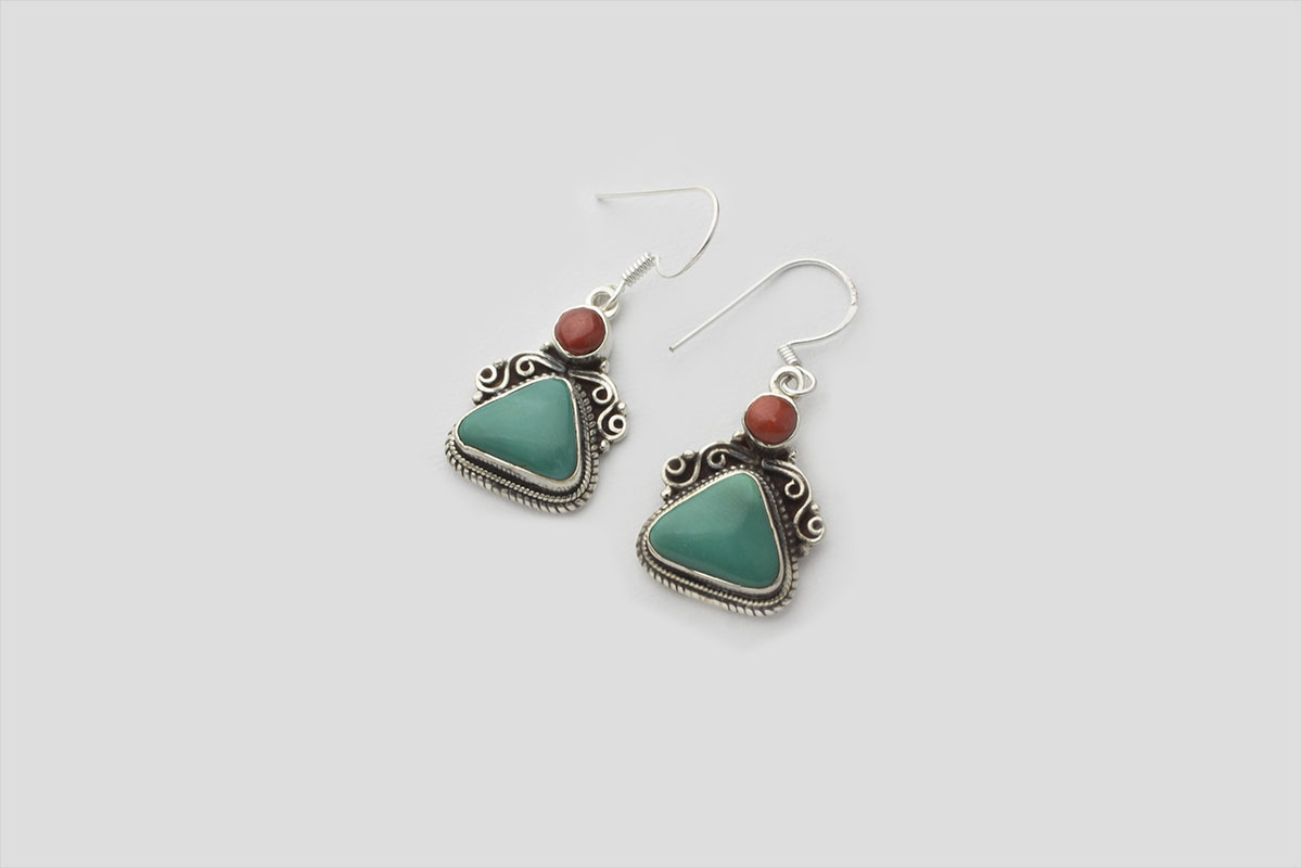 Turquoise silver earring