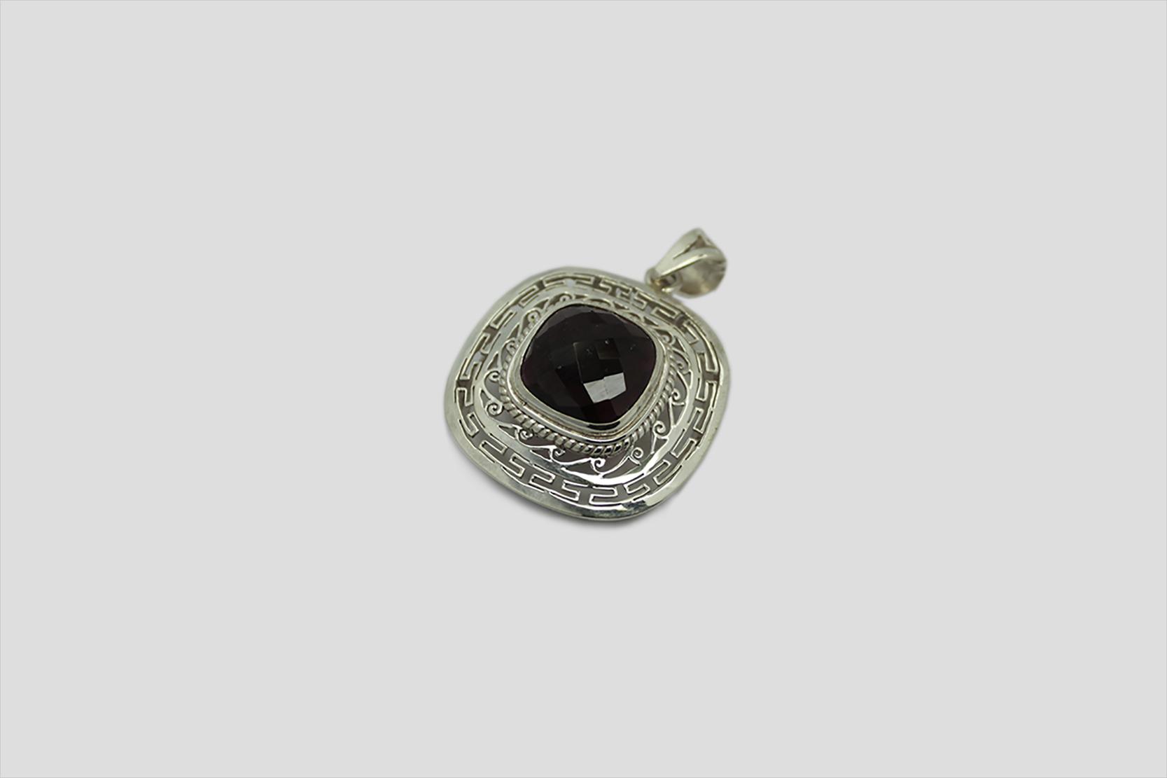 Garnet silver Pendent (2)